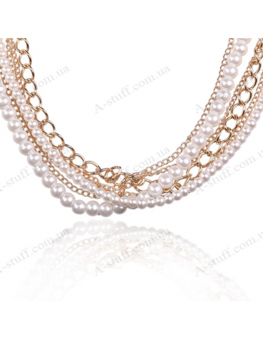 Necklace with multiple chains and artificial pearls