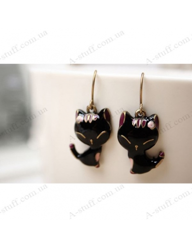 Earrings with black cat