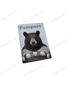 """Шкіряна обкладинка на паспорт """"Ведмідь у светрі"""""""
